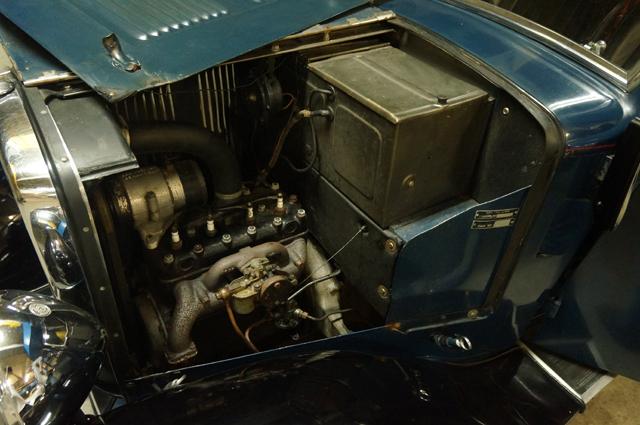 オースチンのエンジン約1.1ℓのサイドバルブらしい。