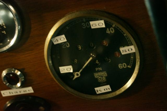 オースチン10の速度計 スミスです