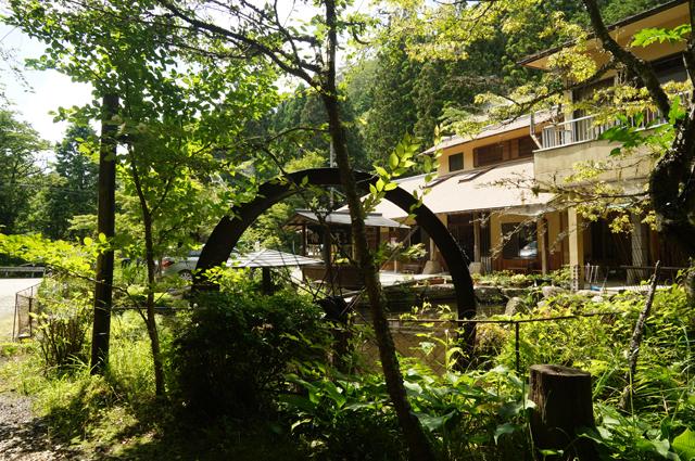 腰掛山荘の水車