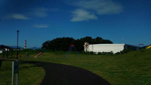 日野東光寺七ツ塚の公園