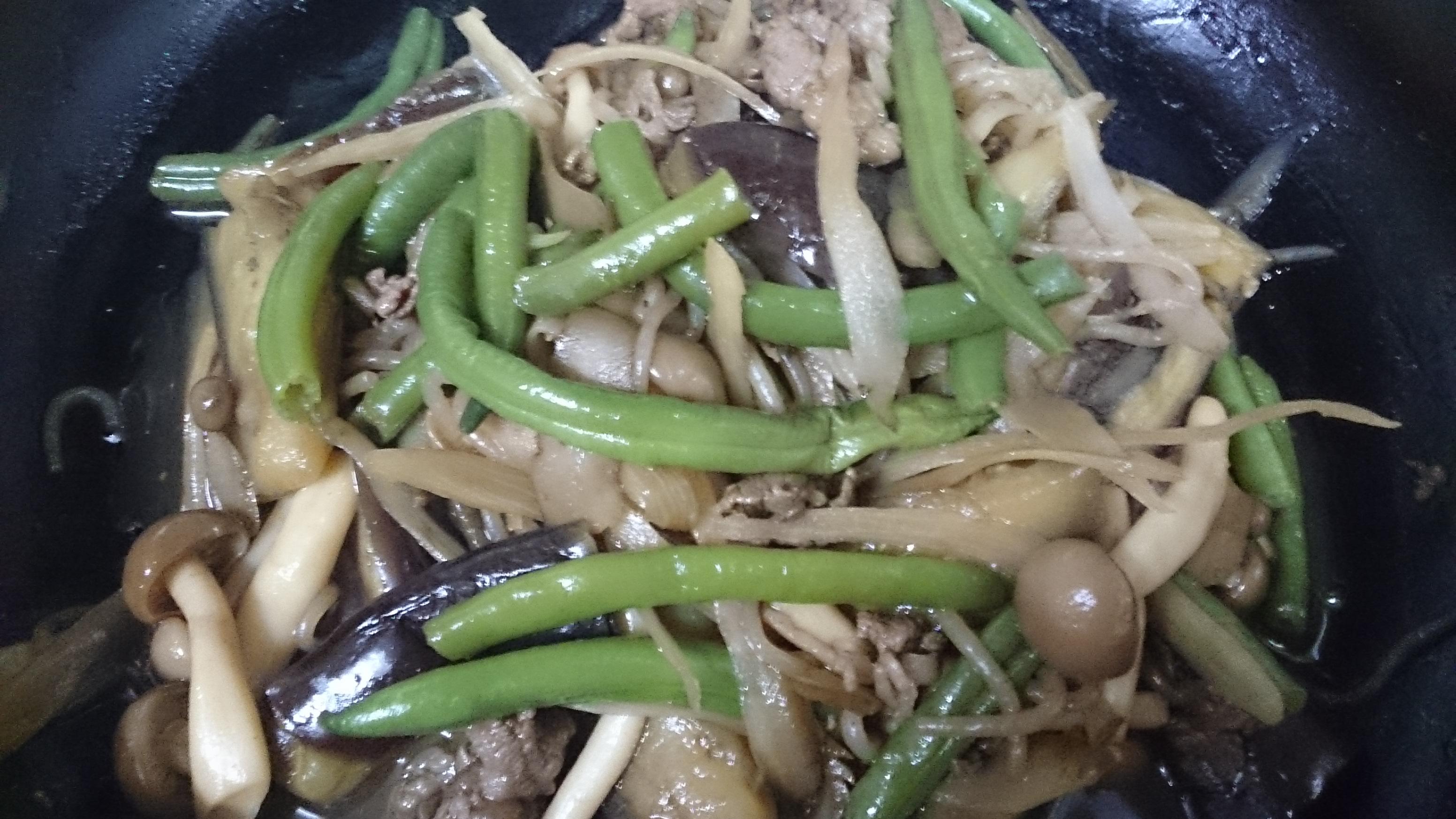 牛肉とゴボウの炊き合わせ