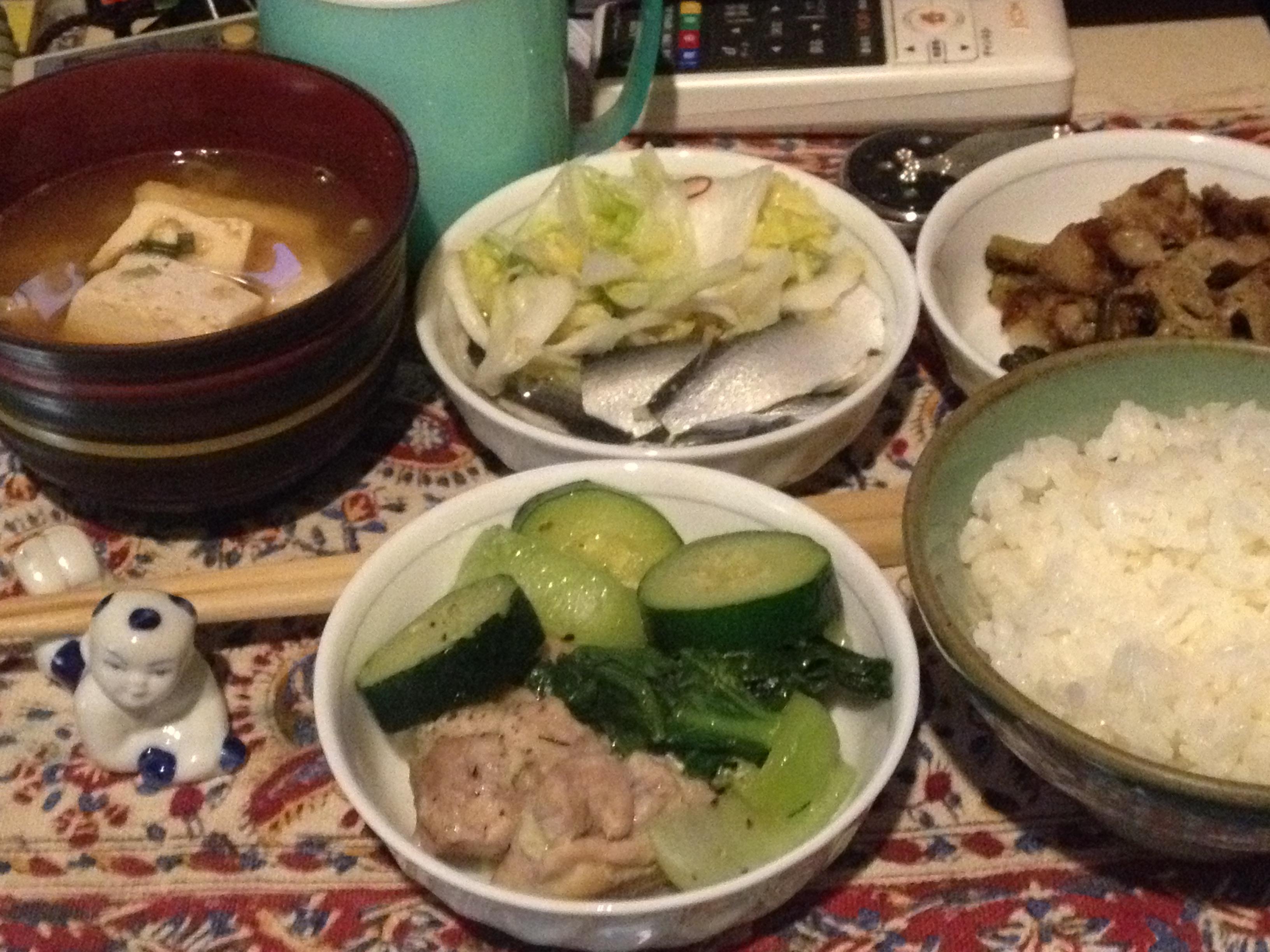 鶏とズッキーニと青梗菜の蒸し煮定食