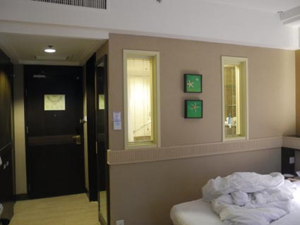 32ホテル室内
