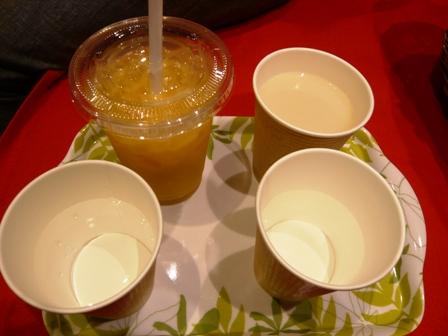 イオンモール常滑:ぽんのぴん;蒲郡みかん・甘酒、甘酒ストレート