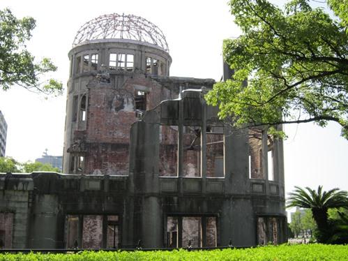 工事を終えた原爆ドーム
