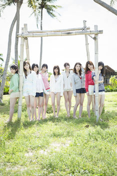 news_thumb_nogizaka_photobook2.jpg