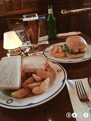 ラウンジのサンドイッチ