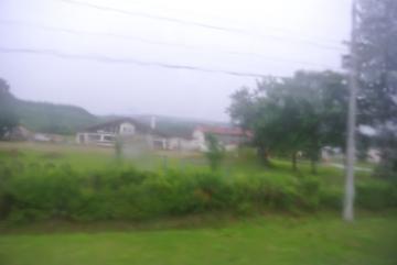雨の車窓風景