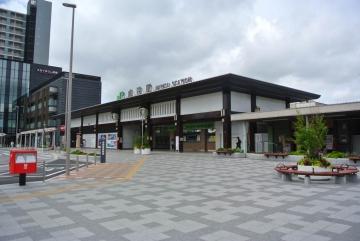 成田駅全景