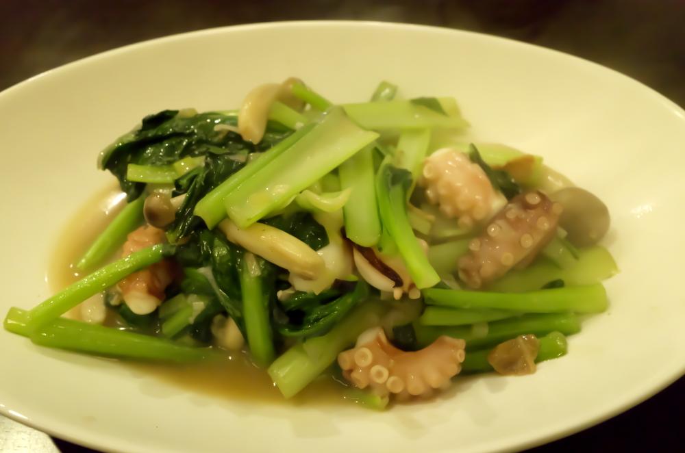 青菜とタコ