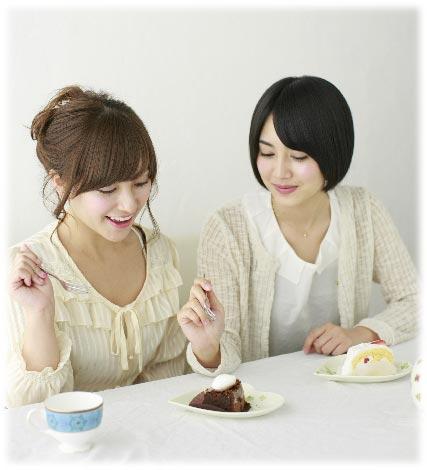 女子会お茶イメージ-w427
