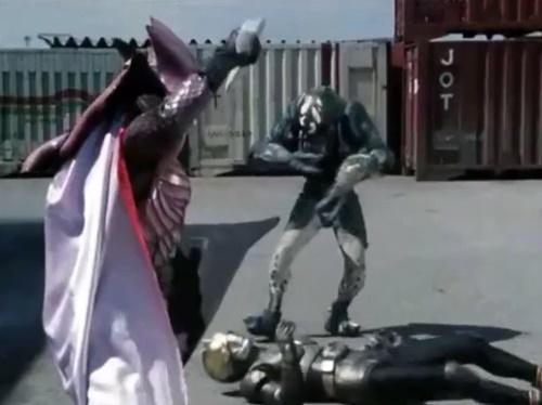 ヒーロー 仮面ライダーブラック やられ ピンチ
