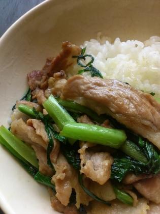 豚ロースと小松菜の炒め物塩コショウ1