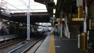 上野駅ゴーゴーカレーロースカツサンド1