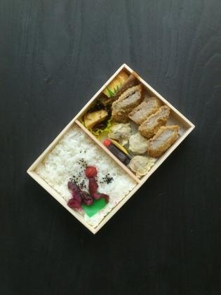 上野駅ザガーデン万葉軒ひれかつしゅうまい弁当8