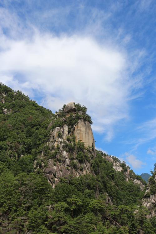 昇仙峡のシンボル 覚円峰 (1)