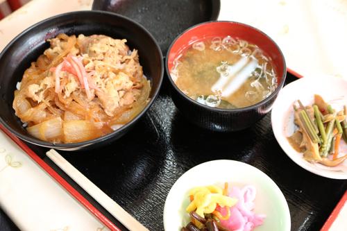 昇仙館 牛丼