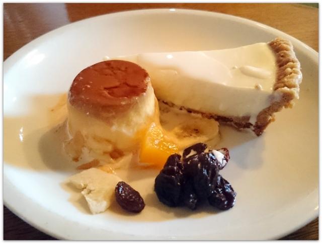 弘前 グルメ スィーツ カフェ ワンコインランチ カフェ・ホートン レアチーズケーキ セット 紅茶 かぼちゃケーキ