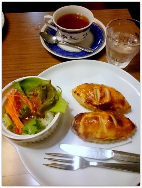 青森県 弘前市 名曲喫茶 ひまわり ランチ グルメ スィーツ ミートパイセット 写真