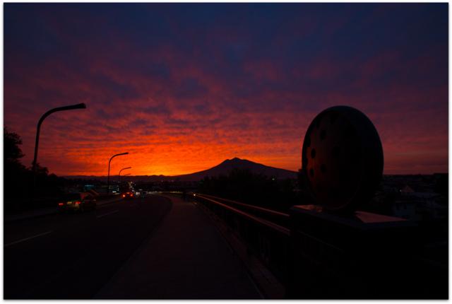青森県 弘前市 岩木山 今日の岩木山 夕日 夕焼け 写真