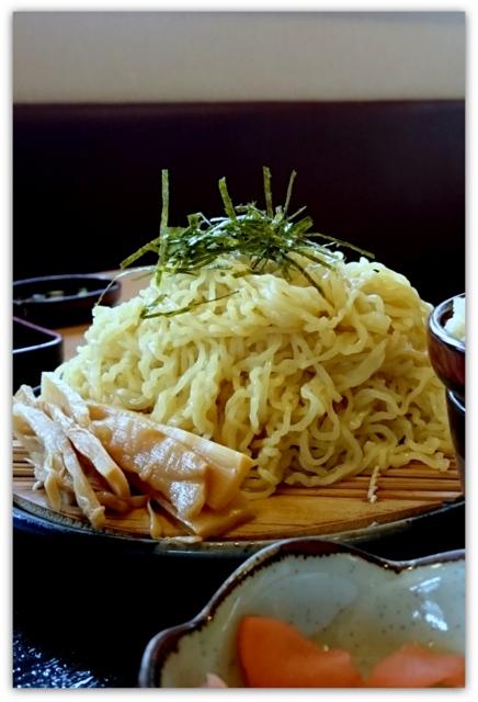 青森県 弘前市 ランチ グルメ さんくまむ 中華ざるとハーフ丼 鮭いくら