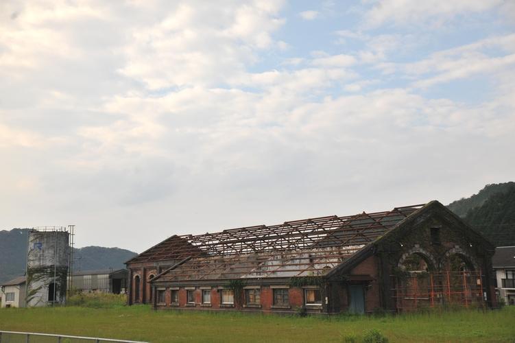 煉瓦の機関車庫