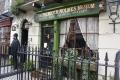 1603 ホームズ 博物館 ギフトショップ