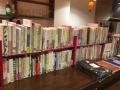 160430 beco cafe かえる本棚2