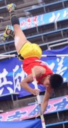 160526-4男子棒高跳び_035