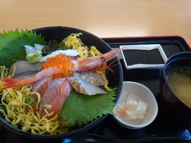 s-11:22海鮮丼