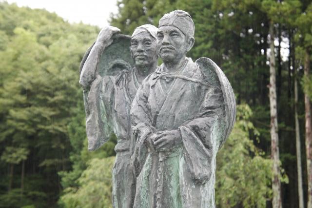 白河関跡 芭蕉と曾良の像