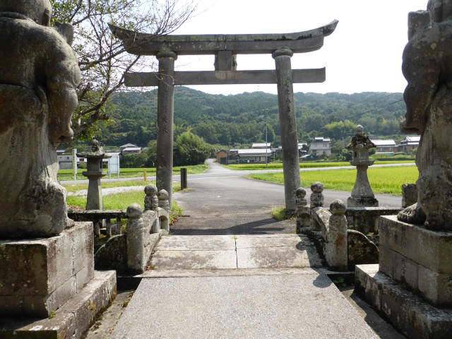 初八坂神社参道橋2
