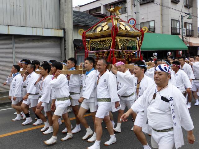 八雲神社神輿2