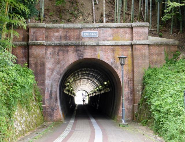 北吸トンネル1
