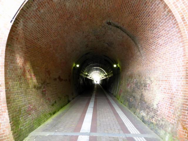 北吸トンネル7