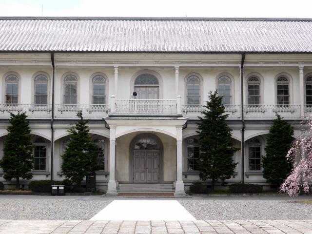 龍谷大学本館1