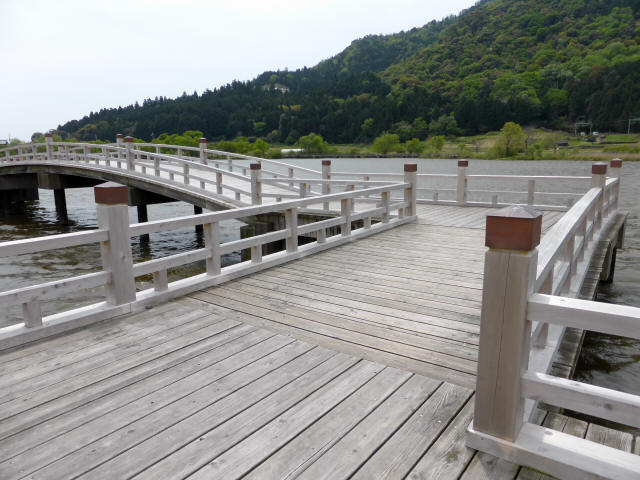 乙女ヶ池の太鼓橋06
