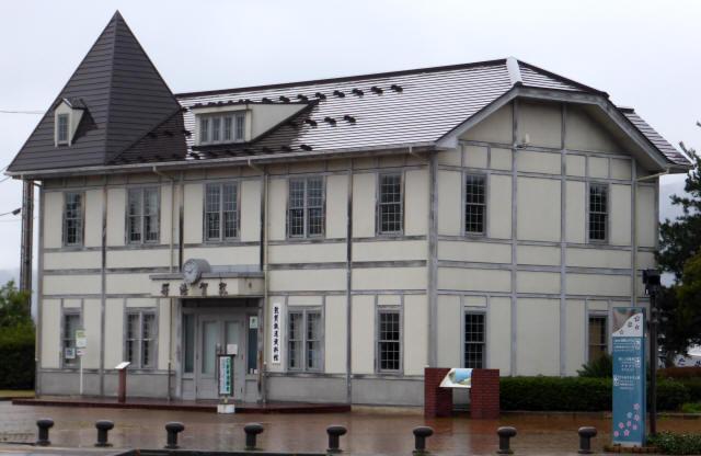 旧敦賀港駅舎1