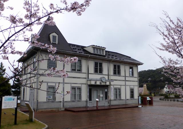 旧敦賀港駅舎5