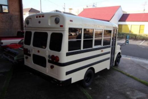 シボレースクールバスショート (4)