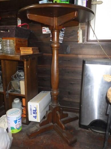 ガレージのテーブル (2)