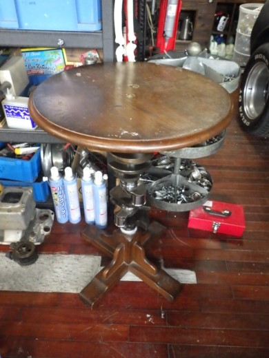 ガレージのテーブル (46)
