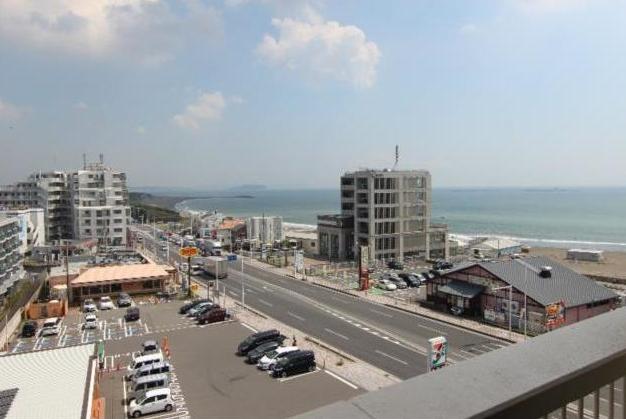 ■お部屋からの景色!海が良く見えます!Tバーも見えます!遠くに江の島も見えますよ!!!