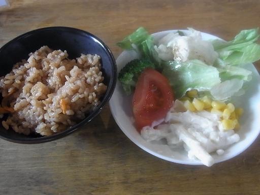 おやじのサラダと炊き込みご飯