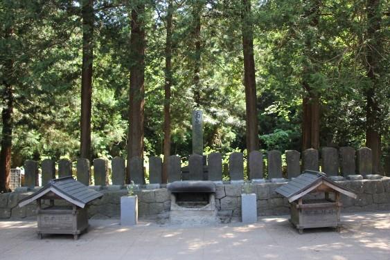 白虎隊十九士の墓