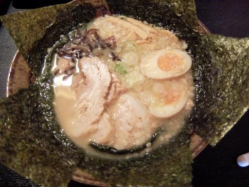 豚骨醤油麺