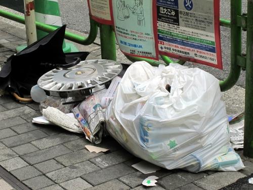 ゴミ捨て場写真