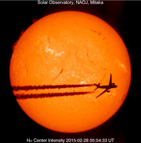 2016-7-26太陽を横切る飛行機