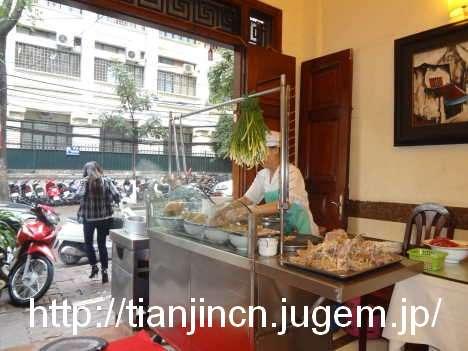 ハノイ BAO KHANH 通りで朝食3