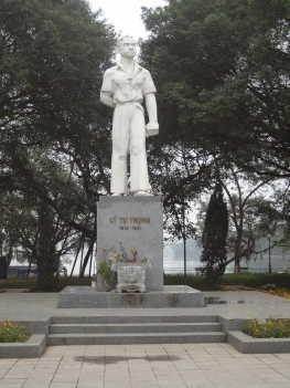 ハノイ タイ(西)湖畔3